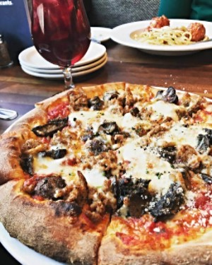 Frasca's Pizzeria and wine bar n Roscoe Village