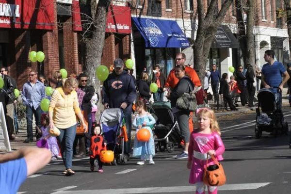 Kids in costume at Roscoe Village Halloween Parade and Party